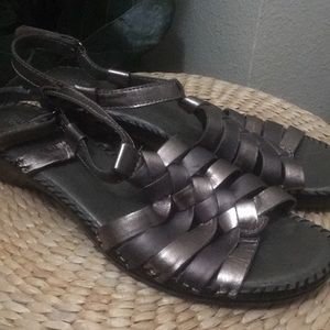 Strictly Comfort Grey Leather Sandals 10M